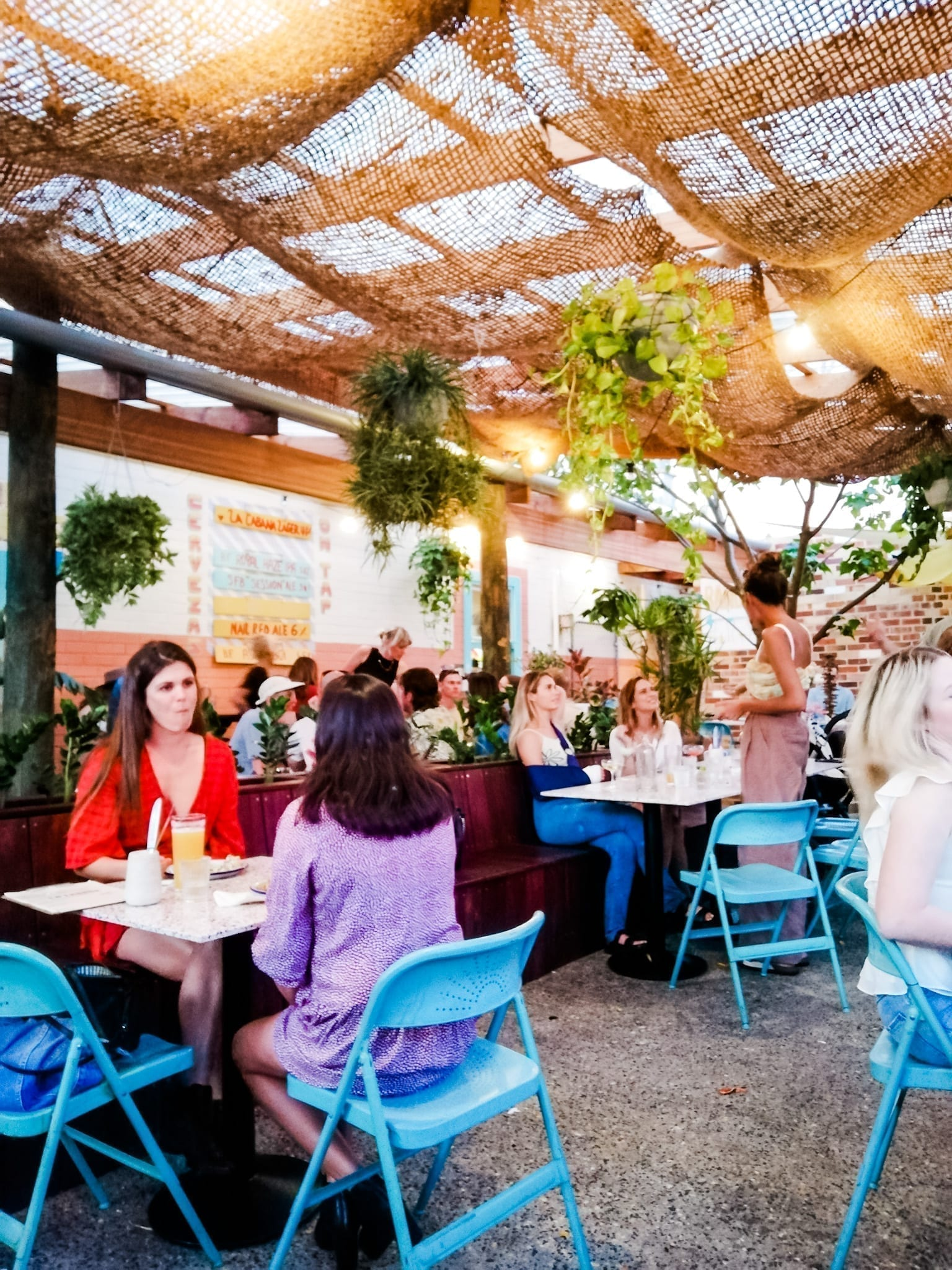LA CABANA Bar and Taqueria