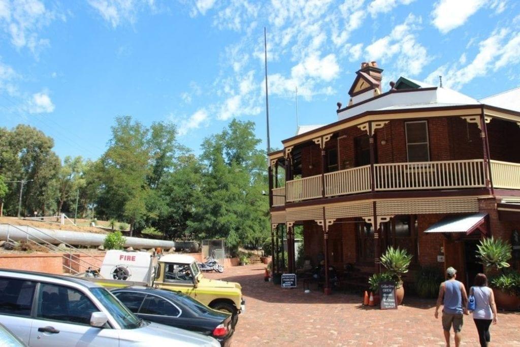 Mundaring Weir Hotel, Mundaring